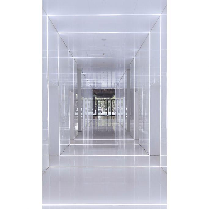 Wanddecoratie Rhythm of the City 023 118x70cm op glas met metalen blind ophang