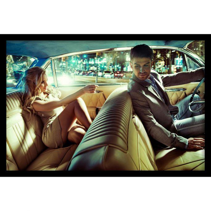 Wanddecoratie Backseat Romance 120x80cmmet zwarte baklijst