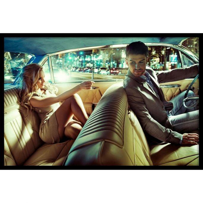 Wanddecoratie Backseat Romance 180x120cmmet zwarte baklijst