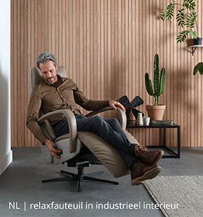 NLwoont relaxfauteuil in industrieel interieur