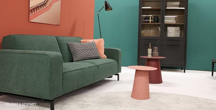 Tip voor kleurgebruik is het door te voeren op muren en in meubels accessoires