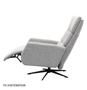 Verstelbare voetensteun op trendhopper relaxfauteuil