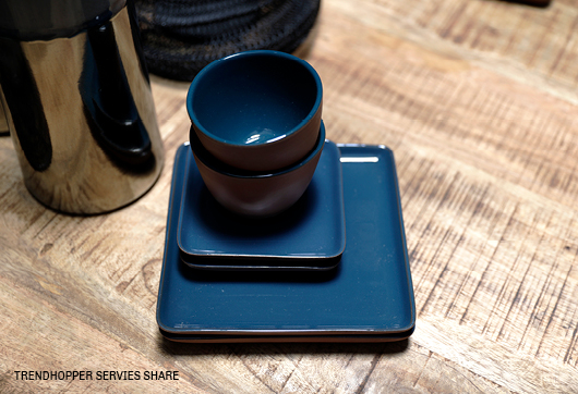 Vierkant blauw serviesset Share #servies #Trendhopper #eten #shareddinging